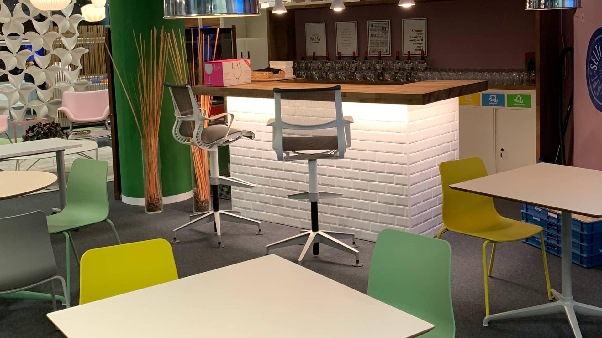 La oficina que motiva tiene lugares para socializar