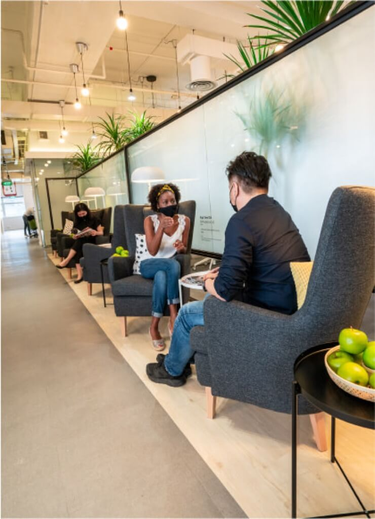 ¿Qué hacemos con las oficinas? reuniones en espacios abiertos